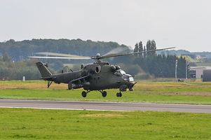 Mil Mi-24D -Hind- (Poland Air Force) 5